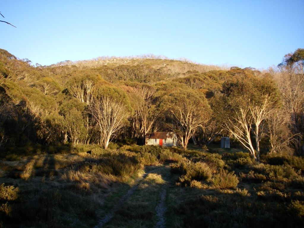 Horse Camp Hut in the evening. Rolling Grounds in the background.
